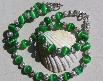 "Necklace & Bracelet Set, Green Cat's Eye and Sterling Silver ""Frosted Dew"""