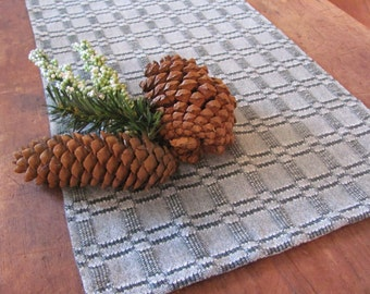 Short Rustic Woodland Forest Table Runner, Modern French Country Farmhouse Decor Pine Green White Hand Woven Cotton Table Centerpiece Cloth