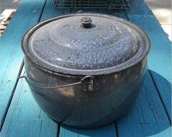GRAY MOTTLED ENAMELWARE, Large Stock Pot with Lid, 1930's, Vintage Kitchen, Camping, Laundry, Garden