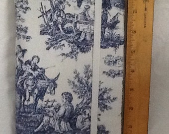 Navy blue toile Paperback padded Cover