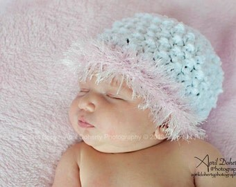Cotton crocheted beanie 'kidlid' in cotton with pink fringe for newborn baby girl