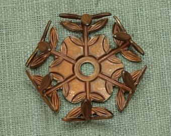 Bag of 10 Vintage Copper Pronged Setting with Leaf/Vine Design VBM126