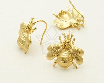 EA-117-MG / 2 Pcs - Bumblebee hook Earrings, Matte Gold Plated over Brass / 17 x 17mm