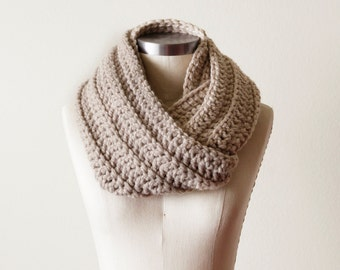 Chunky Cowl in Linen - SALE