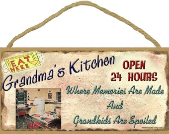 """GRANDMA'S Kitchen Where Memories are Made and Grandkids Are Spoiled Grandparent SIGN 5"""" x 10"""" Grandmother Wall Plaque"""