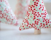 Christmas Decoration ~ Mantle Decor ~ Red and Blue Floral ~ Set of Three ~ Christmas Trees