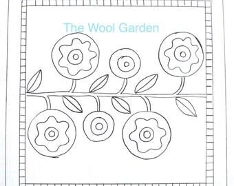 LOLLY FLOWERS 1616 Rug Hooking Pattern on Linen