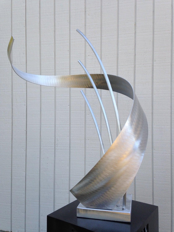 Abstract Metal art indoor/outdoor garden sculpture by Holly