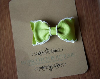 Patty clips in Green Moon Stitched Hair Bow bow tie hair clip