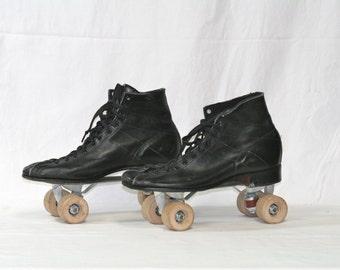 On Sale...Antique Roller Skates with case Mens size 10 JC Higgins Brand