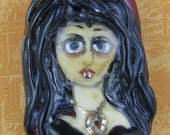 Vampire Bead Mina