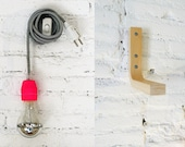 Textile cable lamp with switch, plug and the wood stand  - neon pink