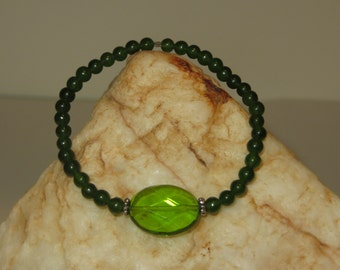 Fitted Stretch Bracelet with Green Quartz and Jade Beads