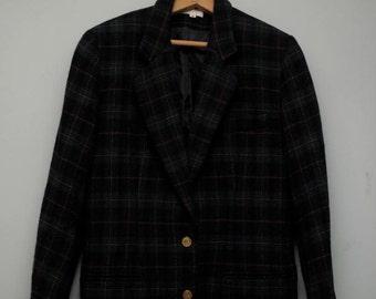 women's vintage Brooks Brothers plaid blazer.