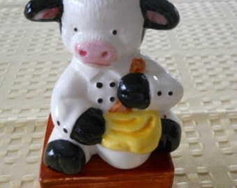 Cow on a Box Salt and Pepper Shakers - Vintage, Collectible