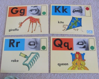 Large Phonics Flash Card Poster - Circa 1972 - Rake Kite Giraffe Queen