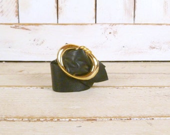 70s vintage black leather cinch belt/gold metal buckle belt