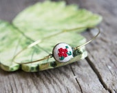 Stackable bracelet with embroidered flower - Christmas jewelry by Skrynka - br004red