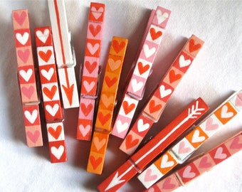 10 HEARTS and ARROWS CLOTHESPINS hand painted magnetic pegs Valentine's Day