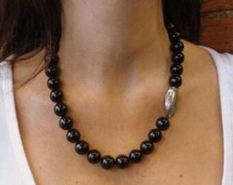 Black Necklace, Shiny Black Necklace, Onyx Gemstone Necklace, Piece Shell Necklace, Statement Necklace, Black Stones Necklace, Big Neckalce.