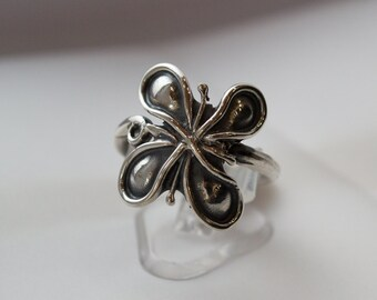 Sterling Silver Ring, Floral Silver Ring, Woodland Silver Ring, Oxidized silver ring, Silver Flower Ring, Botanical Ring, Feminine ring.
