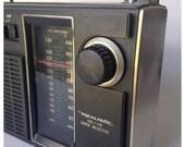 Realistic Portable Transistor AM / FM Radio