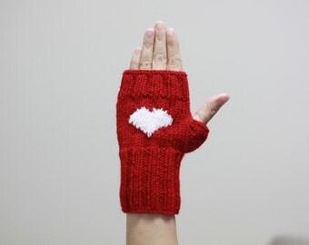 Heart Gloves for women, Knit Fingerless Gloves, Heart Mittens, Valentines day gift, mitten for two, Cozy knitting pattern