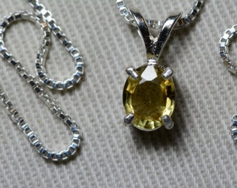 VS Clarity Yellow Sapphire Pendant 0.66 Carats Appraised at 600.00 Necklace