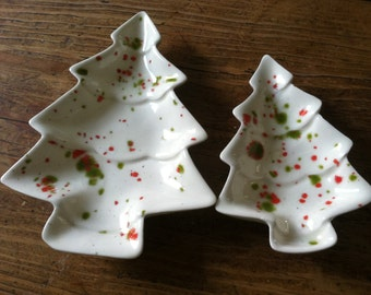 Christmas Tree Dishes Red Green Vintage Handmade Atlantic Mold