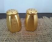 Salt and Pepper Shakers, Vintage Salt Shaker, Vintage Decor, Kitchen Decor, Copper Decor, Vintage Shakers, Wedding Decor