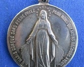 "Antique Religious Medal Pendant of the Children of Holy Mary on 18"" sterling silver rolo chain"