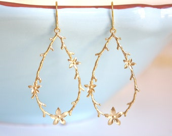 Gold Earrings, Floral & Vine Earrings, Bridesmaid Jewelry, Bridesmaid Gifts, Boho Chic, Boho Jewelry, Christmas Gifts, Gifts for Her
