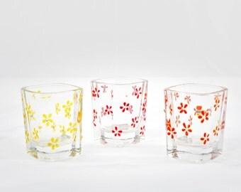 Shot glasses, set of 3 Fun flower trio with sparkling swarovski crystals