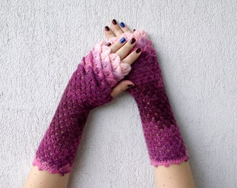 Fingerless gloves Wrist warmers Baselayer Scaled Fingerless mittens cute arm warmers in pink burgundy Womens fingerless gloves Lacy glove