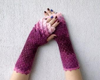 Fingerless gloves Wrist warmers Baselayer Scaled Fingerless mittens cute arm warmers in pink burgundy Womens fingerless gloves Lacy glove