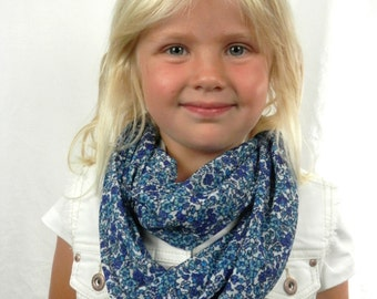 Sweet Girls Knit Infinity Scarf  Blue Turquoise White Forget-Me-Not Flowers Handmade Fashion for Girls and Women