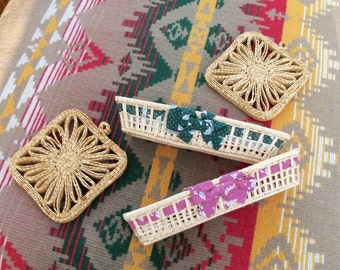 Flatware Baskets Pair & Trivets Set of Four Summer Serving Casual Dining