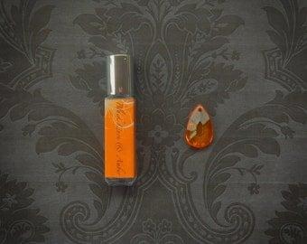 Black Linen & Amber Perfume  - 8mL