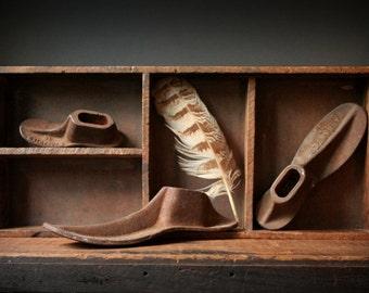 Cast iron shoe forms, cobblers shoe forms, antique cast iron cobblers forms set