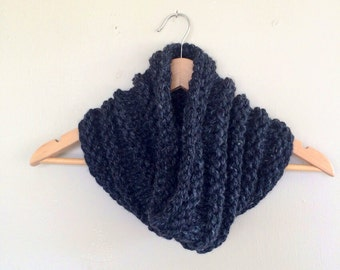 Chunky Knitted Circle Eternity Scarf Cowl / Clove Cowl / Charcoal