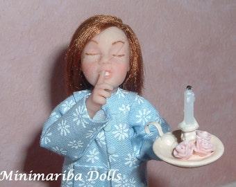 Minimariba Dolls - Little girl time to sleep - miniature dollhouse doll