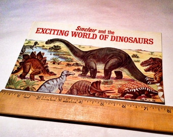 """Vintage Sinclair """"Exciting world of Dinosaurs"""" booklet"""