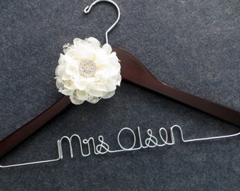 Wedding Dress Hanger, Bridal Hanger, Engagement Gift, Mrs Hanger, Personalized Bride Gift, Shower Gift, Lace Flower Hanger, Bride Hanger