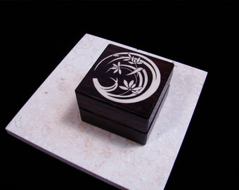 Inlaid Engagement Ring Box. Flower 2.  Free Engraving and Shipping. RB 57