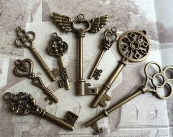 8 pieces 40-74mm Antique Bronze  Keys of Assorted Patterns