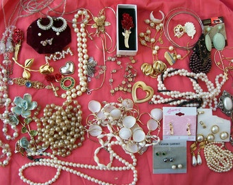 Vintage Pearls & Roses DESTASH JEWELRY LOT Resale Crafting Wearable Romantic Upcycle 2