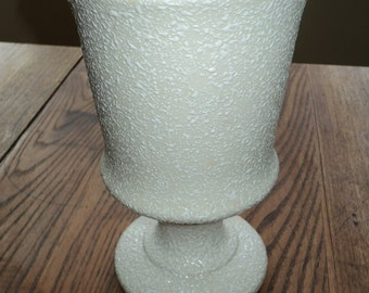 Mid Century Modern Style White Gravel Grazed Ceramic Vase in a Classic Urn Shape in Mint Condition, USA ORIGINALS POTTERY