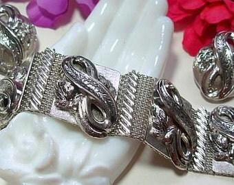 Silver Mesh Bracelet Earring Set Figure 8 Etched Design Security Chain Vintage