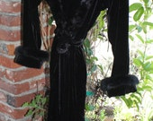 Jasmine Rose black velour robe with faux fur collar