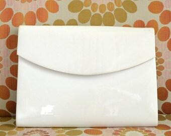Vintage White Shiny Vinyl Envelope Clutch Vtg Faux Leather Vegan Handbag Purse